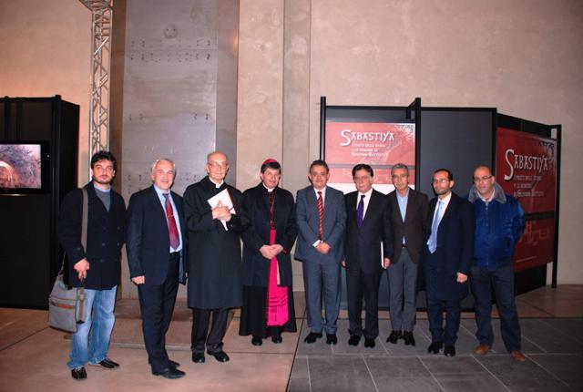 Foto di gruppo con le autorità presenti