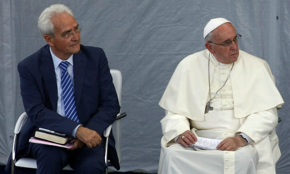 Papa Francesco e GiovanniTraettino al Tempiodella Chiesa Evangelica dellaRiconciliazione (credits: Getty Images)